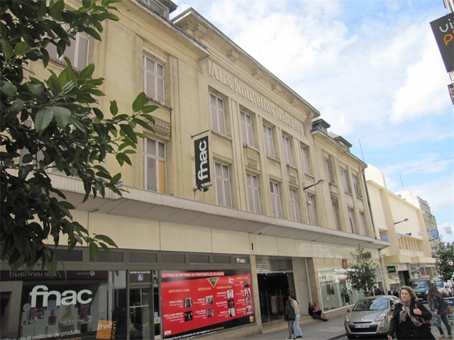 Local commercial Bourges 3 600 €/mois 15