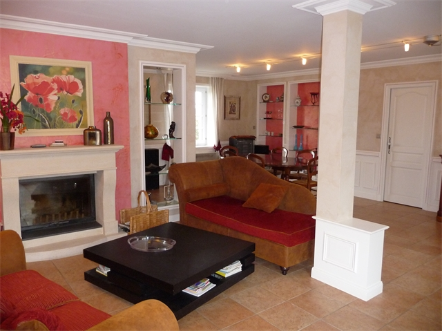 Maison Mettray 398 000 €  6799